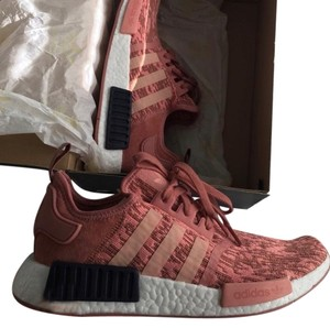 official photos 10da3 b6dee Pink Nmd R1 Sneakers