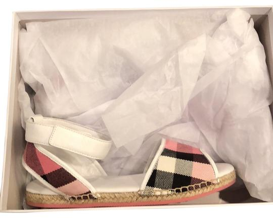 Preload https://img-static.tradesy.com/item/22905604/burberry-rose-pink-sandals-size-eu-35-approx-us-5-regular-m-b-0-2-540-540.jpg