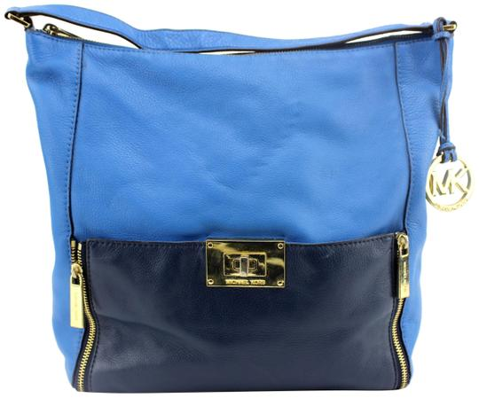 Preload https://img-static.tradesy.com/item/22906364/michael-kors-color-block-large-purse-blue-leather-tote-0-3-540-540.jpg