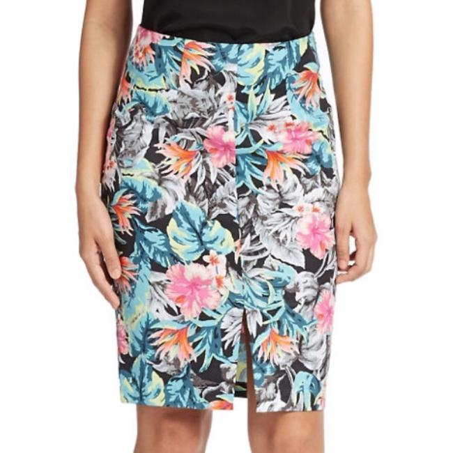 Guess Skirt pink black orange
