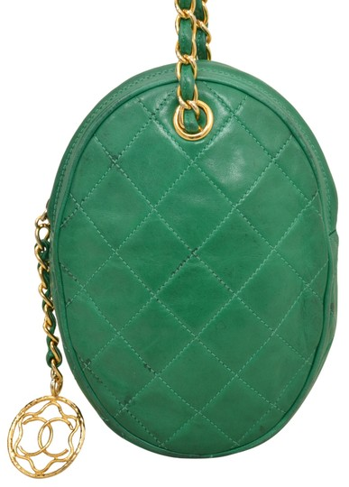 Preload https://img-static.tradesy.com/item/22907012/chanel-7-inch-green-quilted-lambskin-leather-shoulder-bag-0-0-540-540.jpg