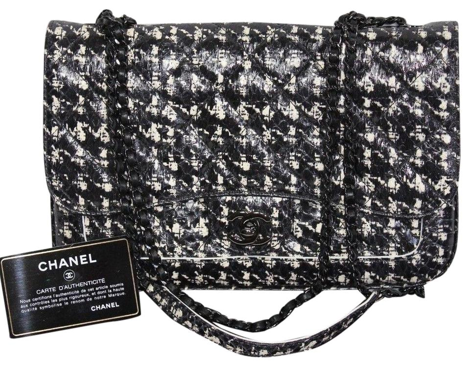 16510a90e11 Chanel Classic Houndstooth Flap Chain Purse Black White Tweed ...