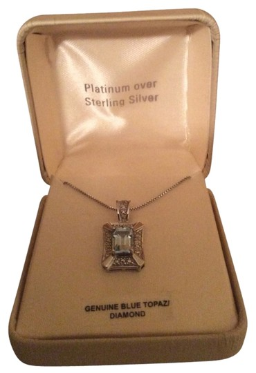 Preload https://item1.tradesy.com/images/unknown-blue-topaz-necklace-2290945-0-0.jpg?width=440&height=440