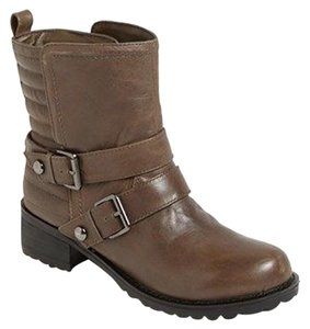 Report Signature Stone Boots