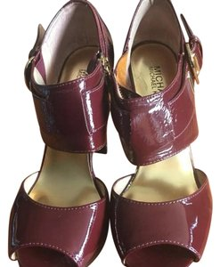 Michael Kors burgundy Pumps