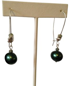 Robert Lee Morris NWOT Large Green Pearl & Crystal Long Dangle Earrings