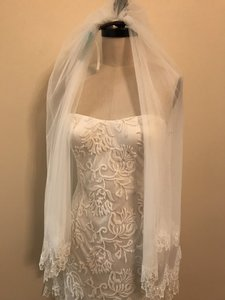 Adrianna Papell Ivory Embroidered Tulle Over Stretchy Casual Wedding Dress Size 8 (M)