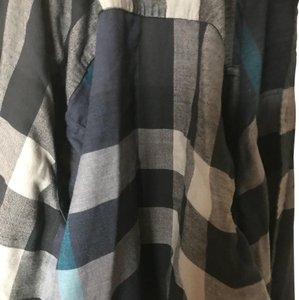 Burberry Top black and blue