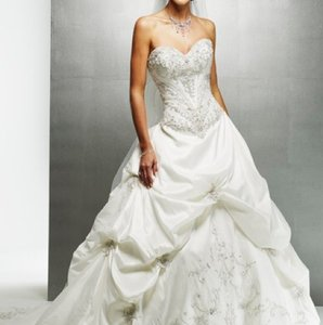 Maggie Sottero Monalisa Royale Traditional Wedding Dress Size 4 (S)