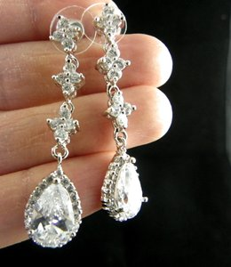 Clear Cubic Zirconia Teardrop Sparkly White Crystal Dangle Bridesmaid Gift Earrings