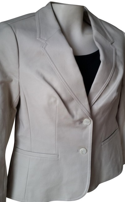 Preload https://item2.tradesy.com/images/the-limited-tan-spring-blazer-size-8-m-22913176-0-1.jpg?width=400&height=650