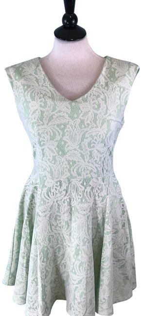Preload https://img-static.tradesy.com/item/22913306/romeo-and-juliet-couture-mint-green-v-neck-sleeveless-lace-fit-and-flare-short-casual-dress-size-8-m-0-1-650-650.jpg