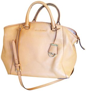 Michael Kors Satchel in Sand/tan