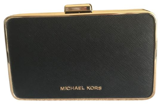 Preload https://img-static.tradesy.com/item/22913517/michael-michael-kors-black-leather-clutch-0-1-540-540.jpg