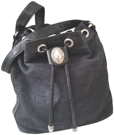Preload https://img-static.tradesy.com/item/22914309/fossil-bucket-black-cottonleather-tote-0-1-540-540.jpg