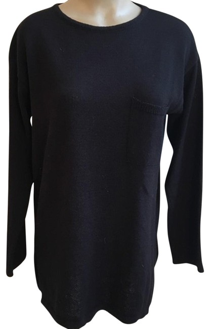 Preload https://item4.tradesy.com/images/joan-and-david-black-knit-sweaterpullover-size-os-one-size-22914333-0-1.jpg?width=400&height=650