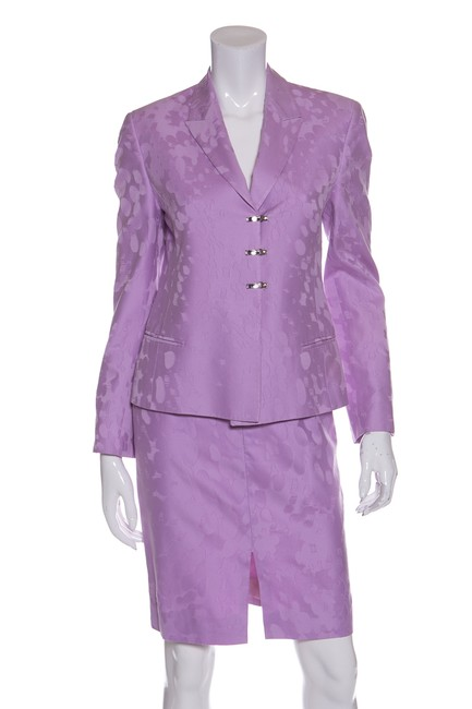 Preload https://img-static.tradesy.com/item/22914412/versace-lilac-llined-pc-skirt-suit-size-2-xs-0-0-650-650.jpg