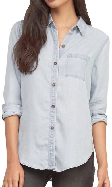 Preload https://img-static.tradesy.com/item/22914527/abercrombie-and-fitch-denim-shirt-button-down-top-size-4-s-0-1-650-650.jpg