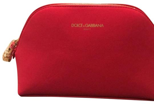 Preload https://item3.tradesy.com/images/dolce-and-gabbana-cosmetic-red-weekendtravel-bag-22914552-0-1.jpg?width=440&height=440