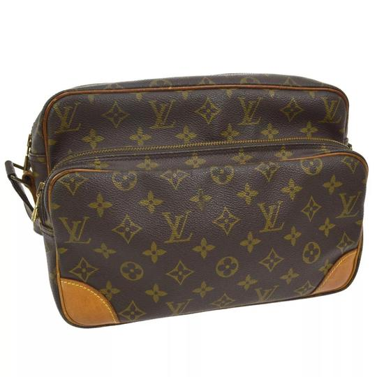 Preload https://item5.tradesy.com/images/louis-vuitton-nile-nil-cross-body-bag-22914559-0-4.jpg?width=440&height=440