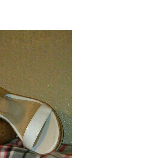 Mootsies Tootsies Size 10 Sandals Platforms Size 10.5 White Wedges