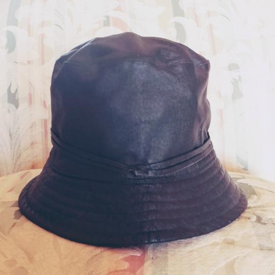 Preload https://img-static.tradesy.com/item/22914720/newport-news-black-genuine-leather-bucket-hat-0-4-540-540.jpg