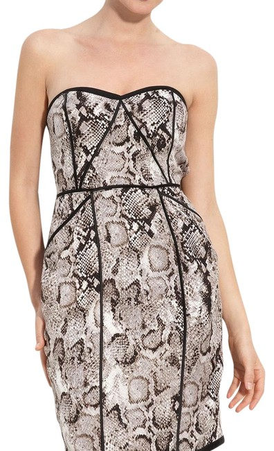 Preload https://item5.tradesy.com/images/bcbgmaxazria-strapless-short-casual-dress-size-0-xs-22914739-0-1.jpg?width=400&height=650