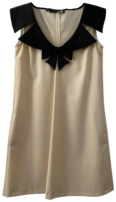 Love Moschino Cream With Tuxedo Bow Collar Detail Nwot Mid-length Cocktail Dress Size 6 (S) Love Moschino Cream With Tuxedo Bow Collar Detail Nwot Mid-length Cocktail Dress Size 6 (S) Image 1