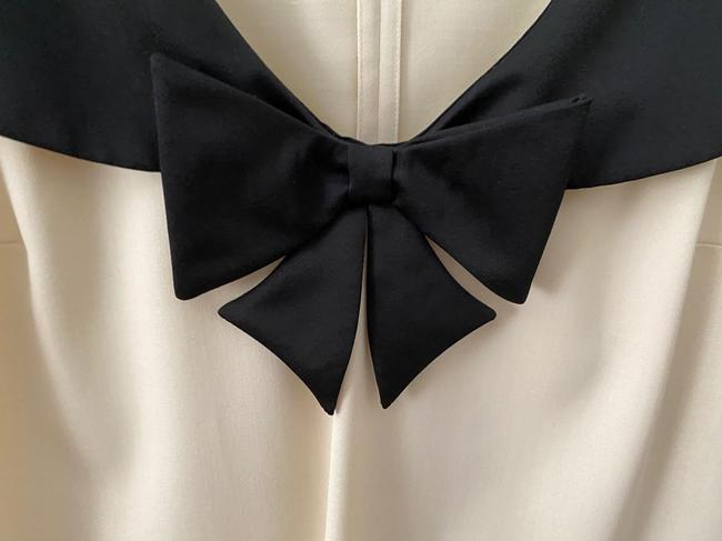 Love Moschino Cream With Tuxedo Bow Collar Detail Nwot Mid-length Cocktail Dress Size 6 (S) Love Moschino Cream With Tuxedo Bow Collar Detail Nwot Mid-length Cocktail Dress Size 6 (S) Image 3