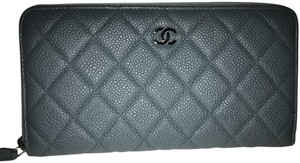 Chanel Chanel Hunter Green Caviar Quilted Zip Wallet excellent condition