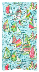 Lilly Pulitzer New with Tag BEACH TOWEL Ugotta regatta