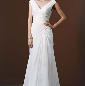 Galina White Organza V-neck Destination Wedding Dress Size 8 (M)