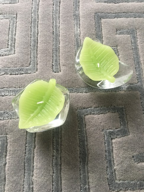 Item - Set Of 2 Leaf Candleholders with Candles Decoration
