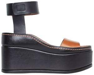 BCBGMAXAZRIA Ankle Strap Sidestich Brown & Black Wedges