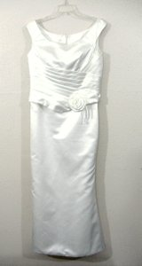 Full-length Sleeveless Ivory White Satin Wedding Dress Size 8 Wedding Dress
