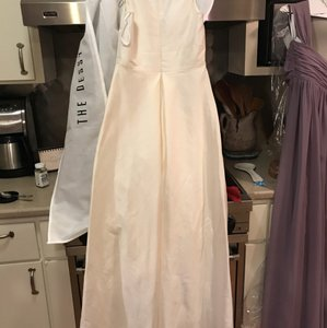Alfred Sung Ivory D611 Traditional Wedding Dress Size 6 (S)
