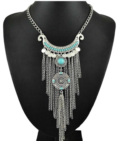 Preload https://img-static.tradesy.com/item/22919614/silver-plated-collier-femme-thai-coins-necklace-0-1-540-540.jpg