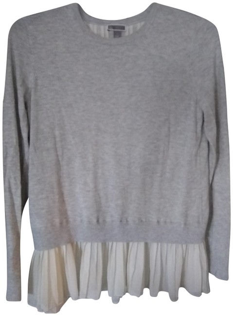 Preload https://img-static.tradesy.com/item/22919835/ashley-brooke-greywhite-layer-sweaterpullover-size-10-m-0-1-650-650.jpg