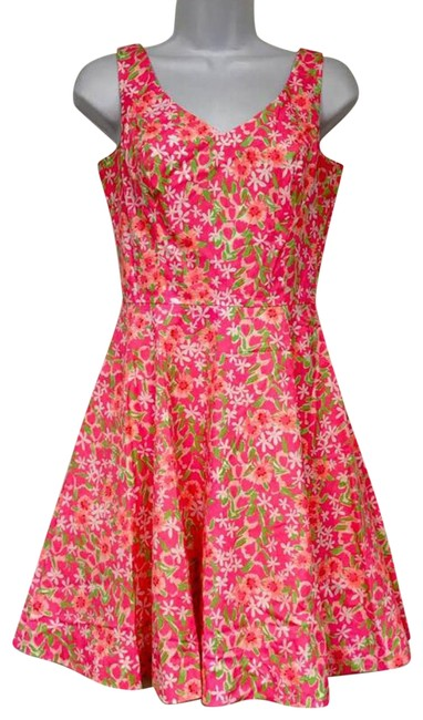 Preload https://img-static.tradesy.com/item/22920518/lilly-pulitzer-pink-floral-print-sleeveless-cotton-short-casual-dress-size-0-xs-0-2-650-650.jpg