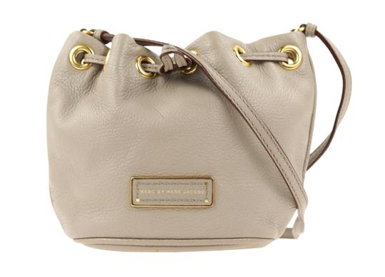 Preload https://img-static.tradesy.com/item/22920875/marc-by-marc-jacobs-too-hot-to-handle-mini-grey-leather-cross-body-bag-0-2-540-540.jpg