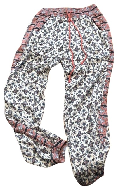 Preload https://img-static.tradesy.com/item/22922222/american-eagle-outfitters-baggy-pants-size-00-xxs-24-0-1-650-650.jpg