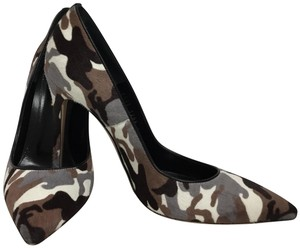 Gianvito Rossi Brown Pumps