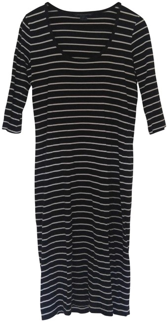 Preload https://img-static.tradesy.com/item/22922373/french-connection-black-white-mid-length-short-casual-dress-size-10-m-0-1-650-650.jpg