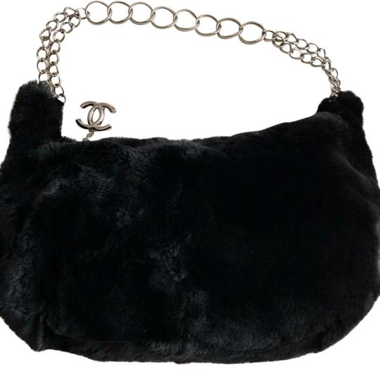Preload https://img-static.tradesy.com/item/22922802/chanel-fur-shoulder-bag-0-2-540-540.jpg