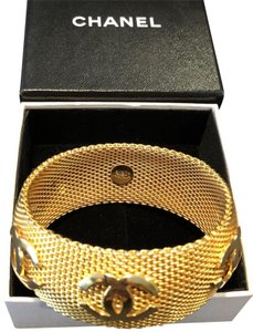 Chanel RARE VINTAGE CHANEL '96A GOLD PLATED CC BRACELET