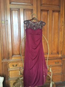 Xscape Wine Long Cap Sleeve Party Beaded Neckline Formal Bridesmaid/Mob Dress Size 12 (L)