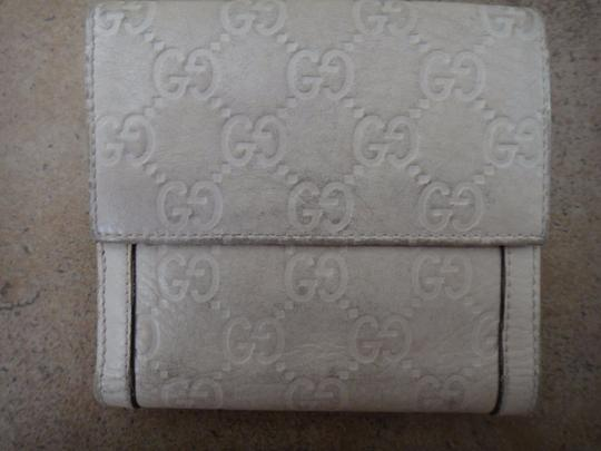 Gucci 100% Authentic Gucci Guccissima White Leather Bifold Wallet