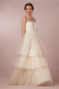 Badgley Mischka Ivory Faye Gown Feminine Wedding Dress Size 10 (M)