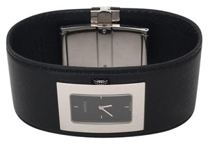 Gucci Gucci Leather Cuff Watch