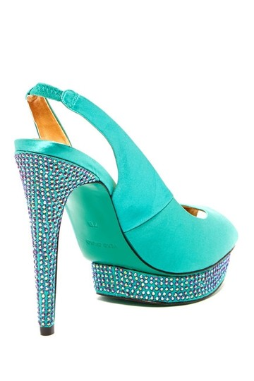 BCBGMAXAZRIA Falcon Tide Turquoise Crystal Embellished Pumps Wedding Shoes